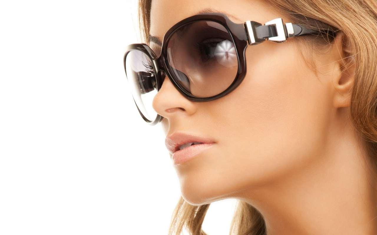 Модні сонцезахисні окуляри » Senfil.net - Цікавий журнал 080696b5db902